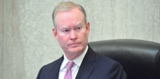 Mayor Cornett presides over his last council meeting